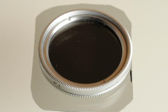 Unteres Polfilter um 90 Grad gedreht, es passiert kein Licht mehr die Filter