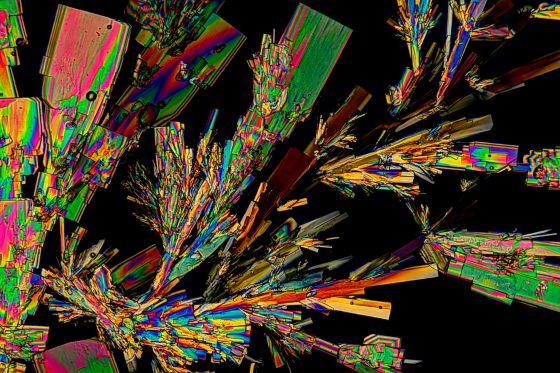 Natriumthiosulfat Kristallisiert aus der Schmelze.
